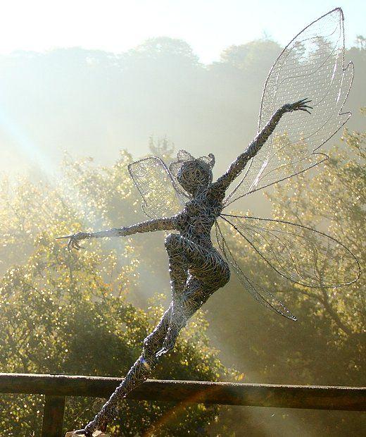 Robin Wright sculptures