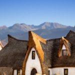 Castelul de lut din Porumbacu de Sus, o minune în Valea Zânelor