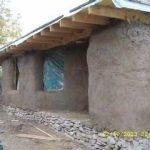 Tot mai multe case din baloți de paie și pământ! Casa Trifoi din Rasuceni