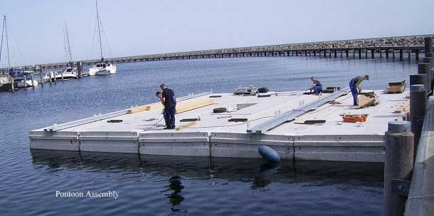 floating homes construction structuri arhitecturale constructie locuinte plutitoare