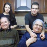 """Povestea fraţilor abandonaţi la orfelinat şi crescuţi de un cuplu de bunici: """"Tot ce am avut mai bun în casă a fost pentru ei"""""""