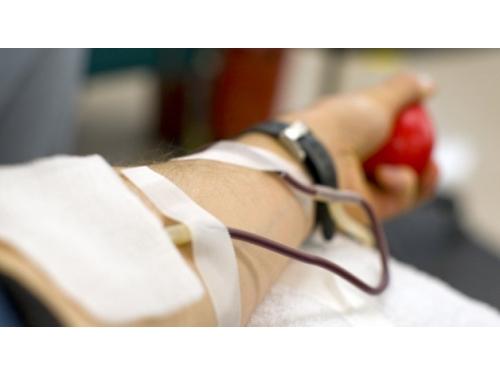 Peste 2.000 de persoane s-au infectat cu HIV după transfuzii de sânge