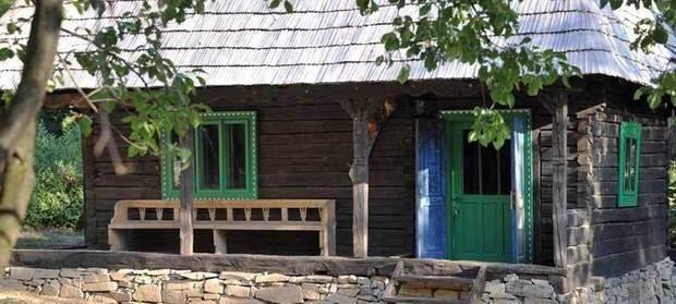 Nemulțumiți de viața din Anglia, au vândut tot ce aveau și s-au mutat în România. Britanicii care conduc acum una dintre cele mai cunoscute pensiuni din Maramureș