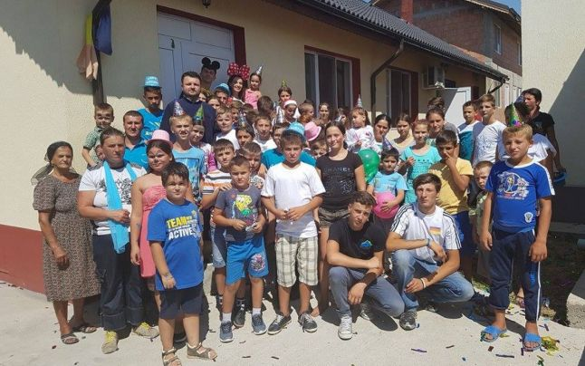 """Strigăt de ajutor din partea preotului din Negrenii de Sus care a adoptat 85 de suflete: """"Avem nevoie de alimente de orice fel şi de mobilier, lemne de foc""""!"""