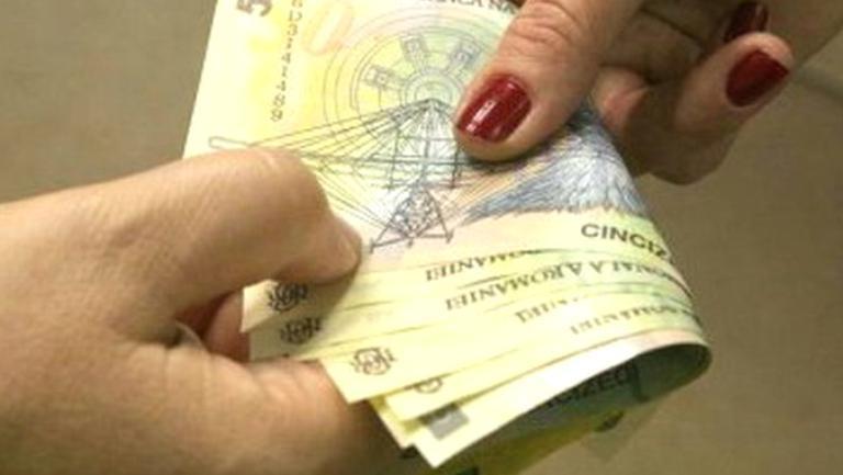 Femeile dintr-o comună gorjeană primesc bani pentru a face copii