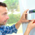 6 soluții ca să-ți faci casa mai sigură în fața invitaților nepoftiți