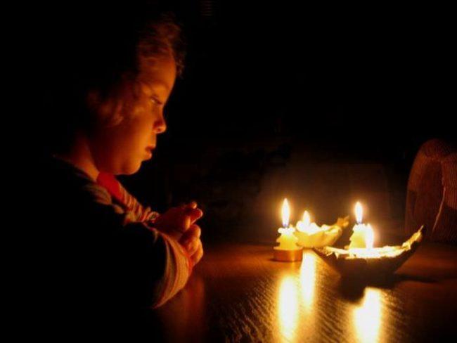 Rugăciunea care te scapă de orice rău din viața ta! Ce se întâmplă dacă o rostești timp de o lună! Este foarte puternică!